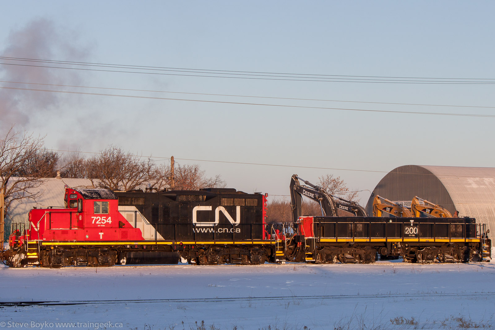 CN 7254 and CN 200 in Winnipeg, MB 2013/01/17